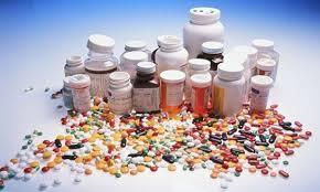 فيديو يوثق لحظة إقتحام مواطنين لمخزون أدوية بمنزل في تنسويلم